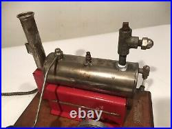 VINTAGE 1940s WEEDEN NO. 44 TOY ELECTRIC STEAM ENGINE ON WOOD BASE NICE